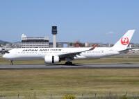 ニュース画像:JAL、2020年度旅客数 前年度70%減 国際線は96%減