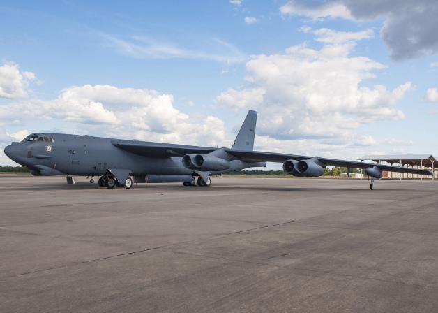 ニュース画像 1枚目:通常兵器専用となった307BWのB-52H「61-1021」