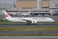 ニュース画像:JAL、51機目の787「JA882J」受領 羽田に到着