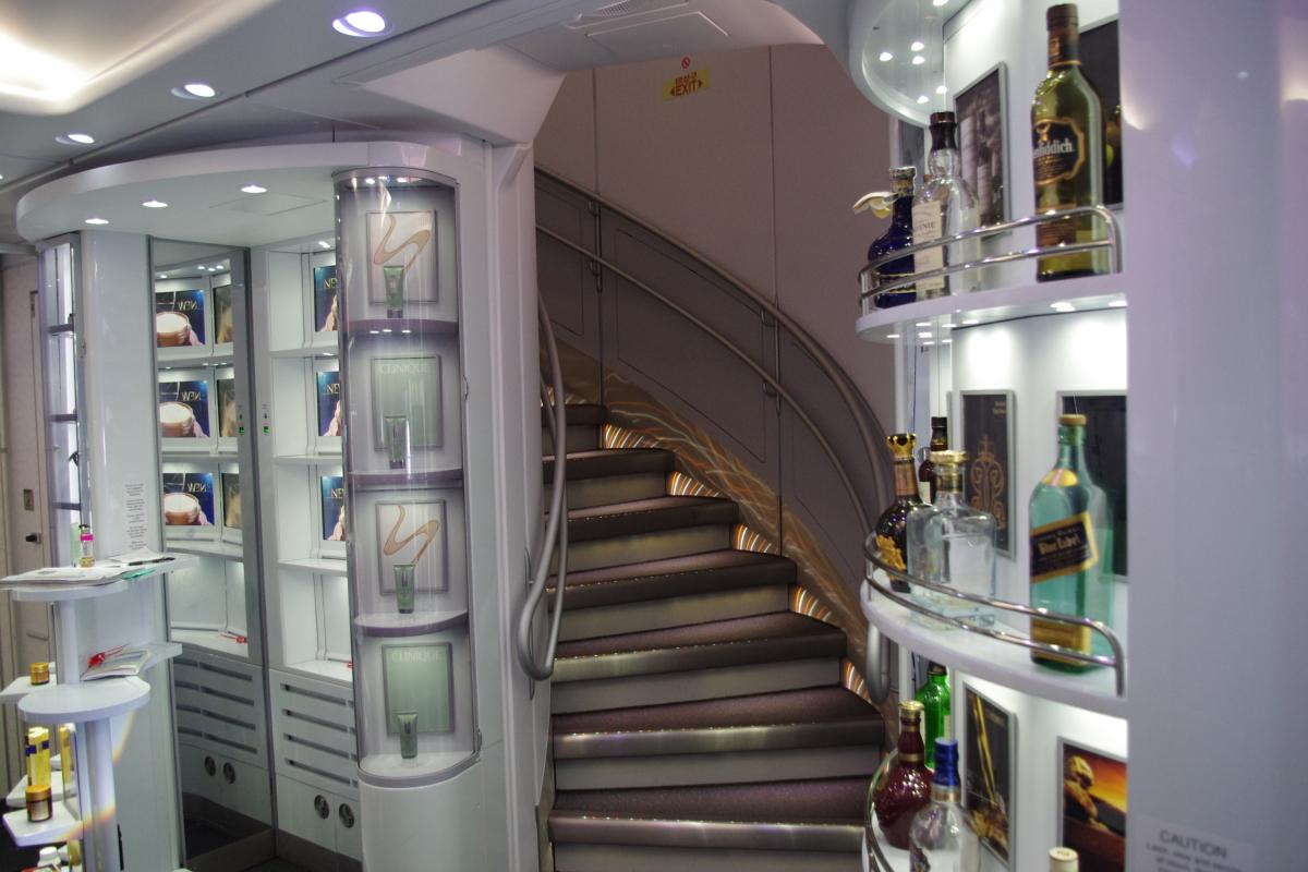 ニュース画像 3枚目:大韓航空A380、1階の免税店 (todotaさん撮影)