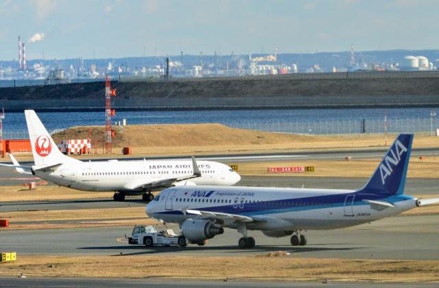 ニュース画像 1枚目:JALとANA