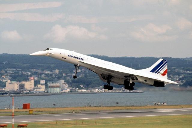 ニュース画像 1枚目:1990年9月、コンコルドが長崎空港に飛来 (LEVEL789さん撮影)
