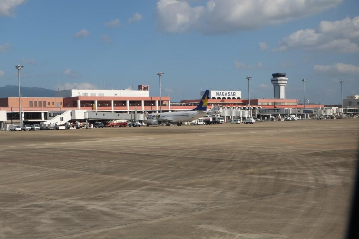 ニュース画像 1枚目:現在の長崎空港旅客ターミナルビル 全景 (ピーノックさん撮影)