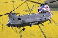 ニュース画像:イギリス空軍チヌーク、40周年記念でユニオンジャック塗装に