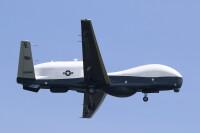 ニュース画像:アメリカ海軍無人機MQ-4トライトン、日本初飛来