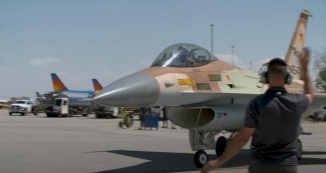 ニュース画像 1枚目:初の民間機 F-16ファイティングファルコン