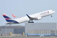 ニュース画像:ラタム・エアラインズ、767-300BCF追加 2023年に計21機