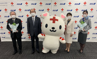 ニュース画像:ANA、感謝と共に幸せの花「すずらん」 全国の赤十字病院へ贈る