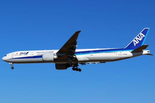 ニュース画像 1枚目:退役したANAの777-300ER「JA735A」イメージ(ばっきーさん撮影)