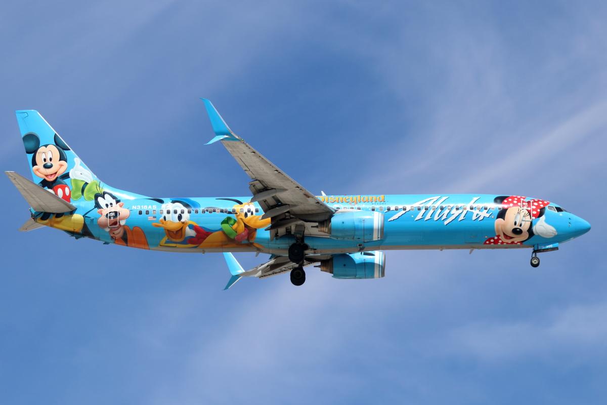 ニュース画像 8枚目:アラスカ航空の「スピリット・オブ・ディズニーランド 2号機」 N318AS(キャスバルさん撮影)