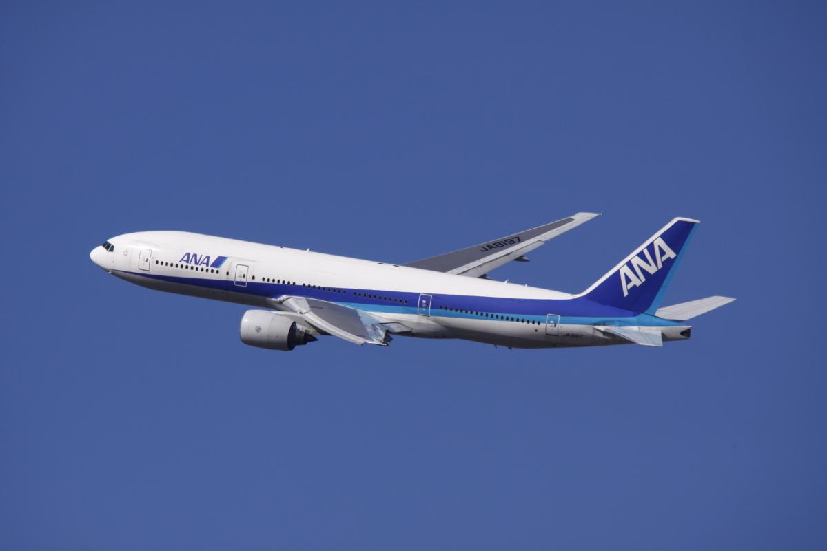 ニュース画像 3枚目:日本初のボーイング777型機「JA8197」 (だいちゃん@RJSSさん撮影)