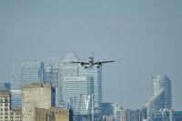 ニュース画像:エンブラエル190-E2、急角度進入の認可取得 ロンドン・シティで運航可能に