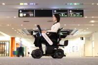 ニュース画像:羽田空港、自動運転の車椅子 国内線ターミナルで全面導入