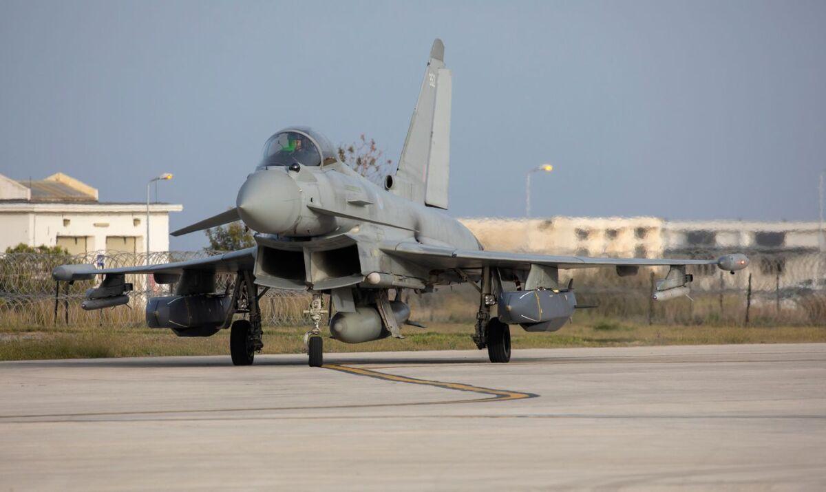 ニュース画像 1枚目:会場付近の上空で空中待機したタイフーン戦闘機 イメージ