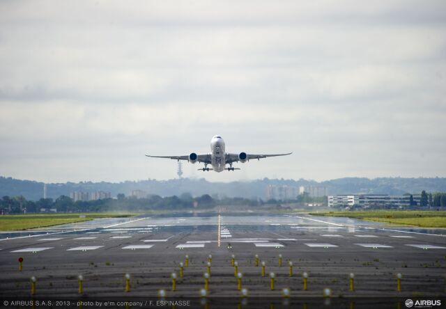 ニュース画像 1枚目:A350初飛行