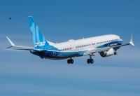 ニュース画像:ボーイング、737-10初飛行 2023年にユナイテッド航空へ