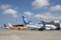 ニュース画像:静岡空港、チャーリィ古庄さん迎え航空写真教室 エプロンエリアで撮影