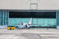 ニュース画像 5枚目:NASAグレンリサーチセンター格納庫から最後のフライトへの準備