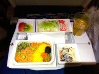 ニュース画像:トレー・カトラリーと共に楽しむ「機内食ごっご」、7月15日に再販売