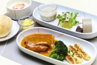 ニュース画像:JAL、8月の国内線ファースト機内食 十勝ロイヤルマンガリッツァ豚を満喫