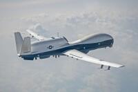 ニュース画像:アメリカ海軍のアップグレードしたMQ-4CトライトンIFC-4、初飛行