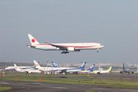 ニュース画像:政府専用機、都心通過する新航路を初使用 任務飛行前の移動で