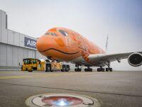 ニュース画像:JALとANAに納入される注目の大小2機に動き