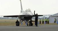 ニュース画像:新田原エアフェスタ、2015年もF-16とブルーインパルスが曲芸飛行