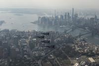 ニュース画像:F-16戦闘機がセスナ機をインターセプト 国連総会中のニューヨーク上空で