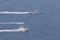 ニュース画像:海自と海保、若狭湾の海空域で不審船対処の共同訓練