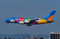 ニュース画像:エミレーツA380エキスポ新塗装機、ドバイ万博会場上空を飛行