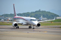 ニュース画像 1枚目:JA21MJ、三菱航空機が開発中のMRJ90