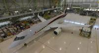 ニュース画像:MRJが初フライト中 「JA21MJ」の機体ができるまで