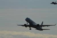 ニュース画像 2枚目:MRJが離陸