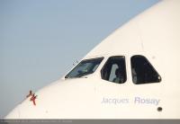 ニュース画像:エアバス、チーフ・テスト・パイロットの名をA380初号機に刻む