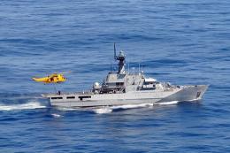 ニュース画像 1枚目:HMSクライドから給油を受けるシーキング