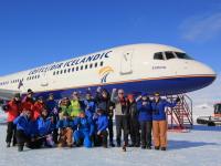 ニュース画像 1枚目:南極大陸に757旅客機が到着