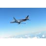 ニュース画像 6枚目:3回目の試験飛行、MRJの胴体下から見上げた様子