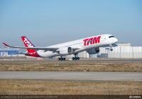 ニュース画像:TAM航空、A350初号機が初飛行 12月中の納入に向け準備