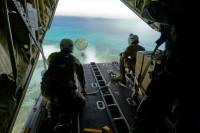 ニュース画像 2枚目:航空自衛隊も初めてクリスマス・ドロップに参加。これまでは米空軍に訓練を受けて来た