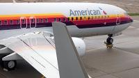ニュース画像 2枚目:アメリカン航空のロゴにエアカル塗装