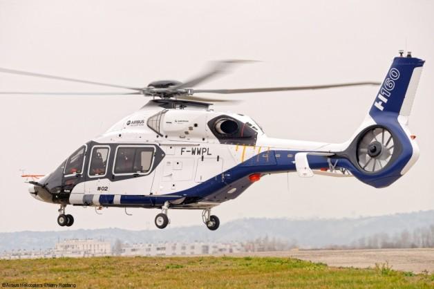ニュース画像 1枚目:初飛行したH160試作2号機