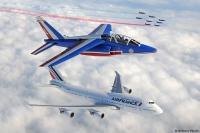 ニュース画像:エールフランス747とパトルイユ・ド・フランスの編隊飛行【動画】