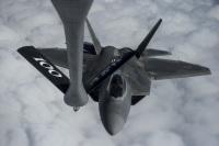 ニュース画像:F-22ラプター、東へ西へ アラビア海上の空中給油