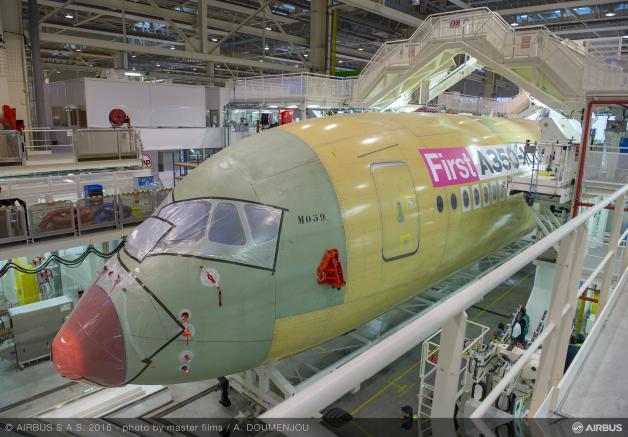 ニュース画像 1枚目:A350-1000の機首部分、製造番号は「059」