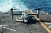 ニュース画像 1枚目:強襲揚陸艦上のV-22オスプレイ。
