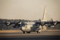 ニュース画像:アメリカ軍の熊本地震対応、C-130で千歳から車両、厚木から隊員輸送へ
