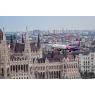 ニュース画像 3枚目:中心街をエアライナーが低空飛行する様子は壮観