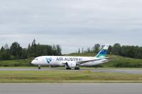 ニュース画像:エール・オーストラル、初の787を受領 組立開始から6年の機体
