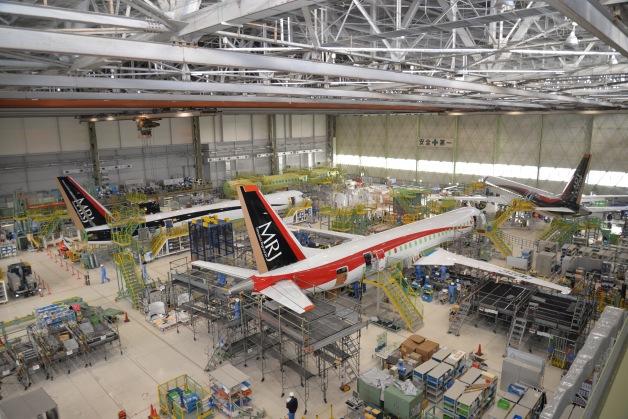 ニュース画像 1枚目:MRJ 工場内の試験機4機
